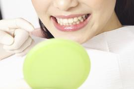 保険の歯とセラミックなど保険適用外の素材の違い